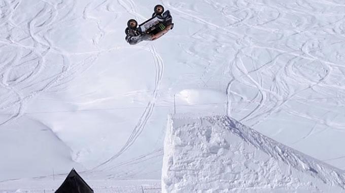 ミニ。スキージャンプに挑戦。ぬおおおおお!