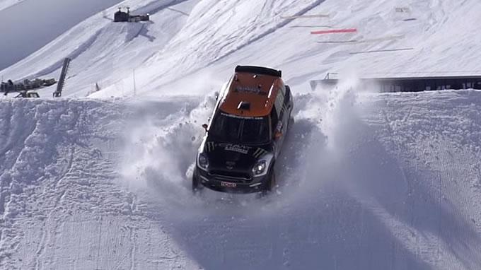 ミニ。スキージャンプに挑戦。着地ー!