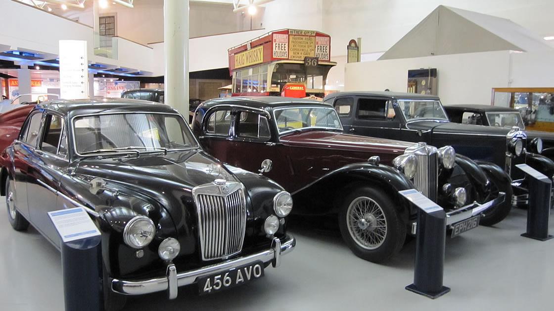かつて英国にあったヴィンテージカーたちが一堂に会した博物館「Heritage Motor Centre Motor Museum」