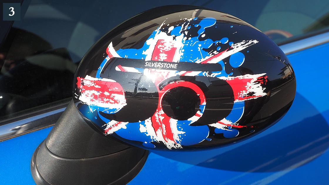 ミラーキャップ。2009年のMINI 50周年 ミラーカバーです。ヤフーオークションで見つけました。