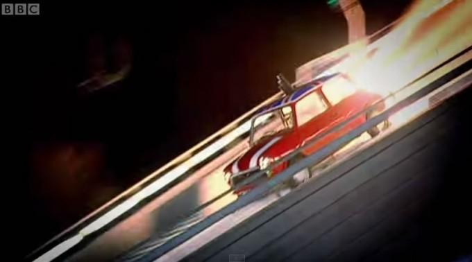 ぎょええええ!発進! | ミニ、空を飛ぶの巻