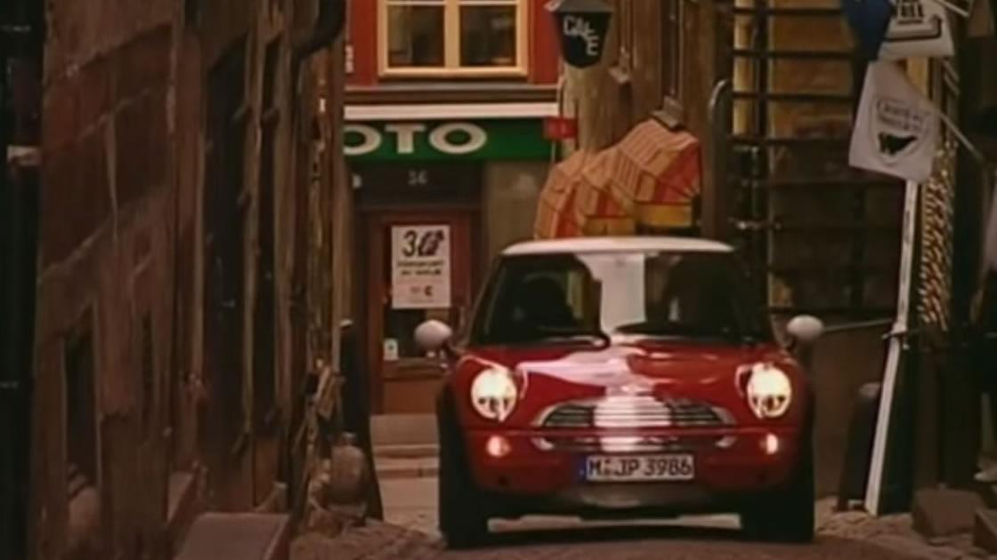新生BMWミニの登場。