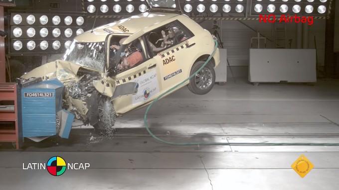 中国車の衝突実験