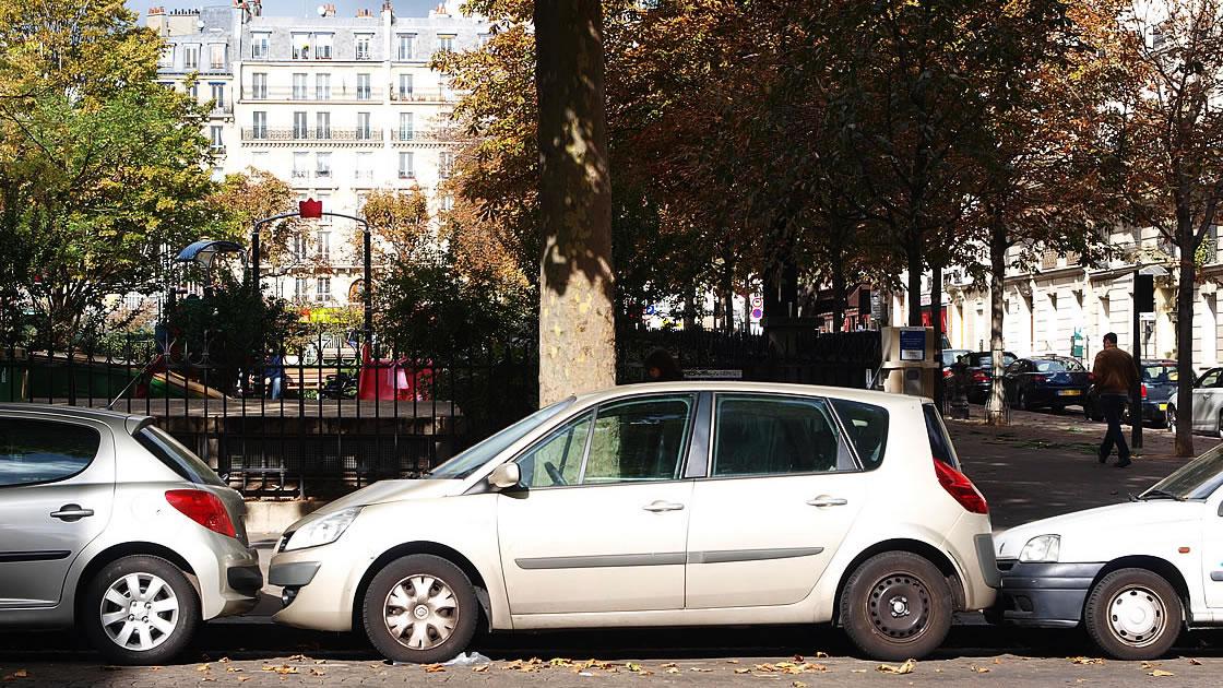 ヨーロッパやアメリカでは路上駐車が当たり前