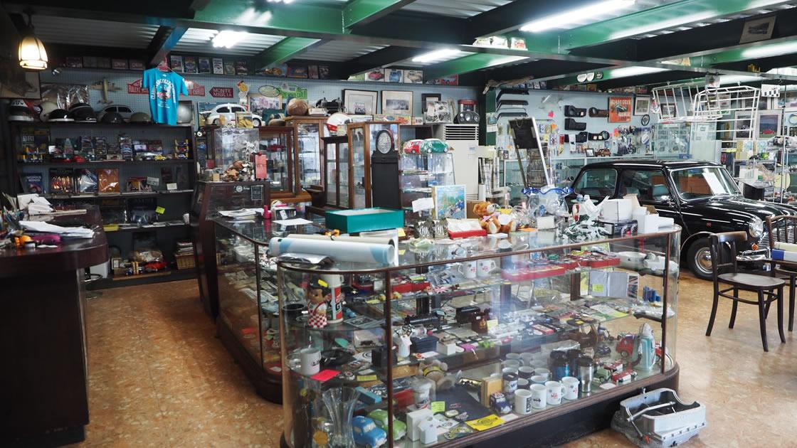 ミニマルヤマの店内