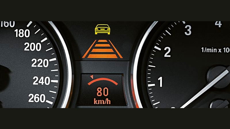 BMWナビゲーション「iDrive」- アクティブクルーズコントロール