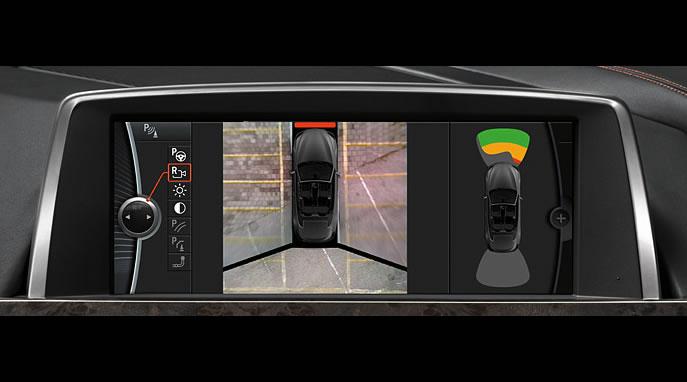 BMWナビゲーション「iDrive」- リアビューカメラ、トップビュー+サイドビューカメラ