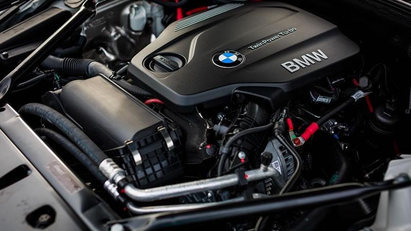 BMW 2リッター直列4気筒エンジン...