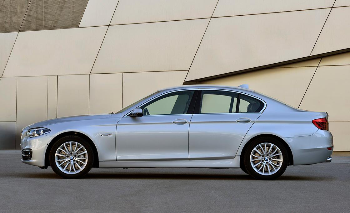 BMW5シリーズ真横