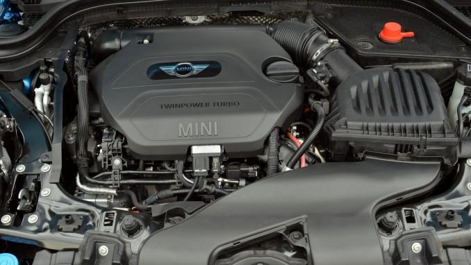 ミニクーパーのエンジン