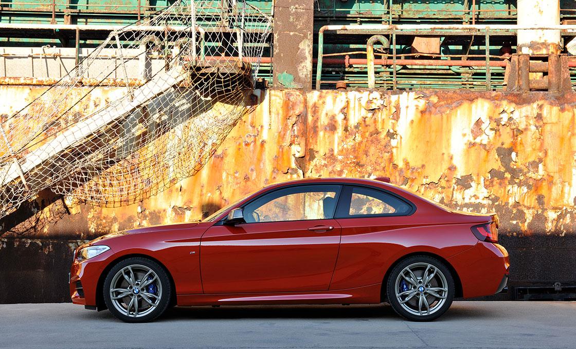 BMW 2シリーズクーペ ボディサイズとパッケージ