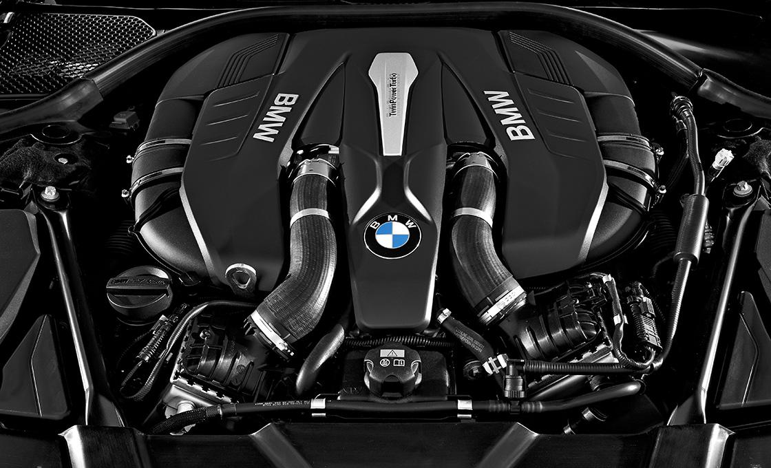 BMW 7シリーズ エンジン性能