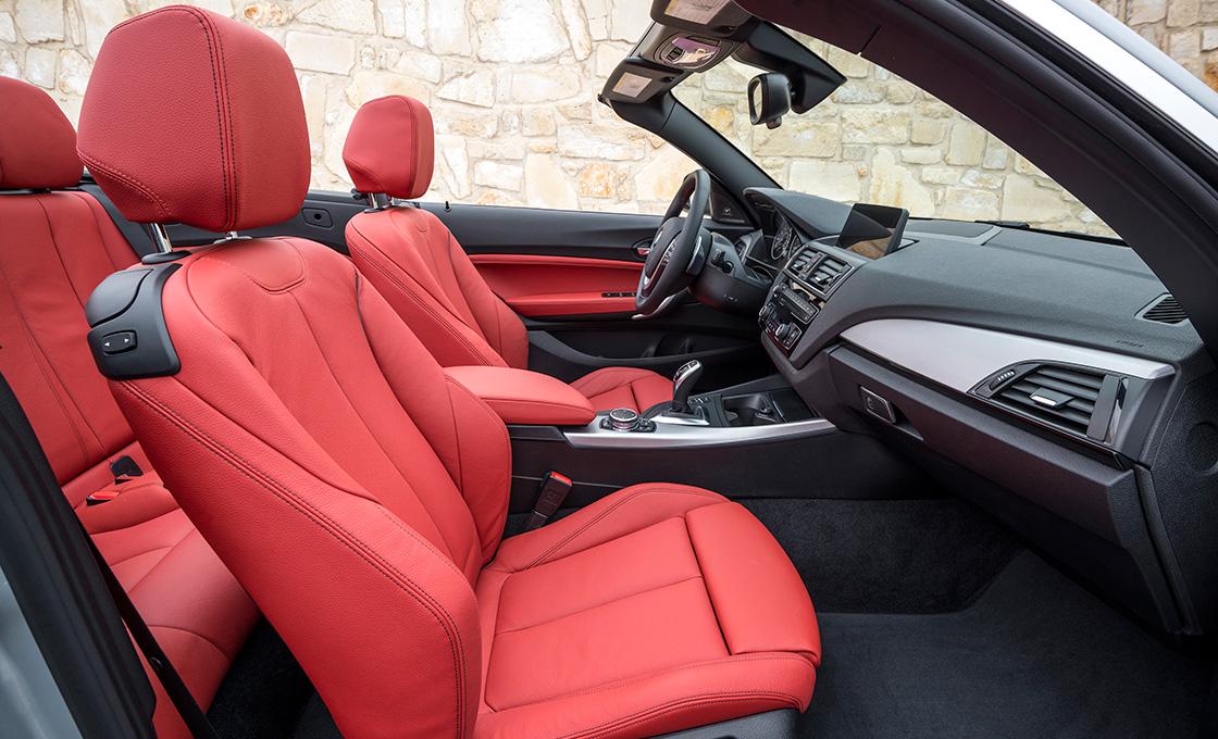 BMW 2シリーズカブリオレ グレード 装備差