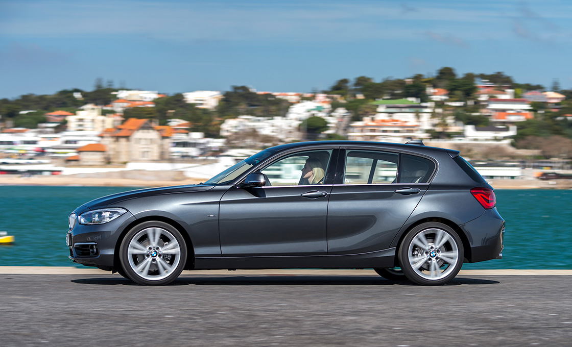BMW1真横