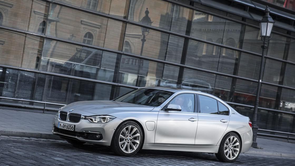 プラグイン・ハイブリッド・モデル「新型BMW 330e」