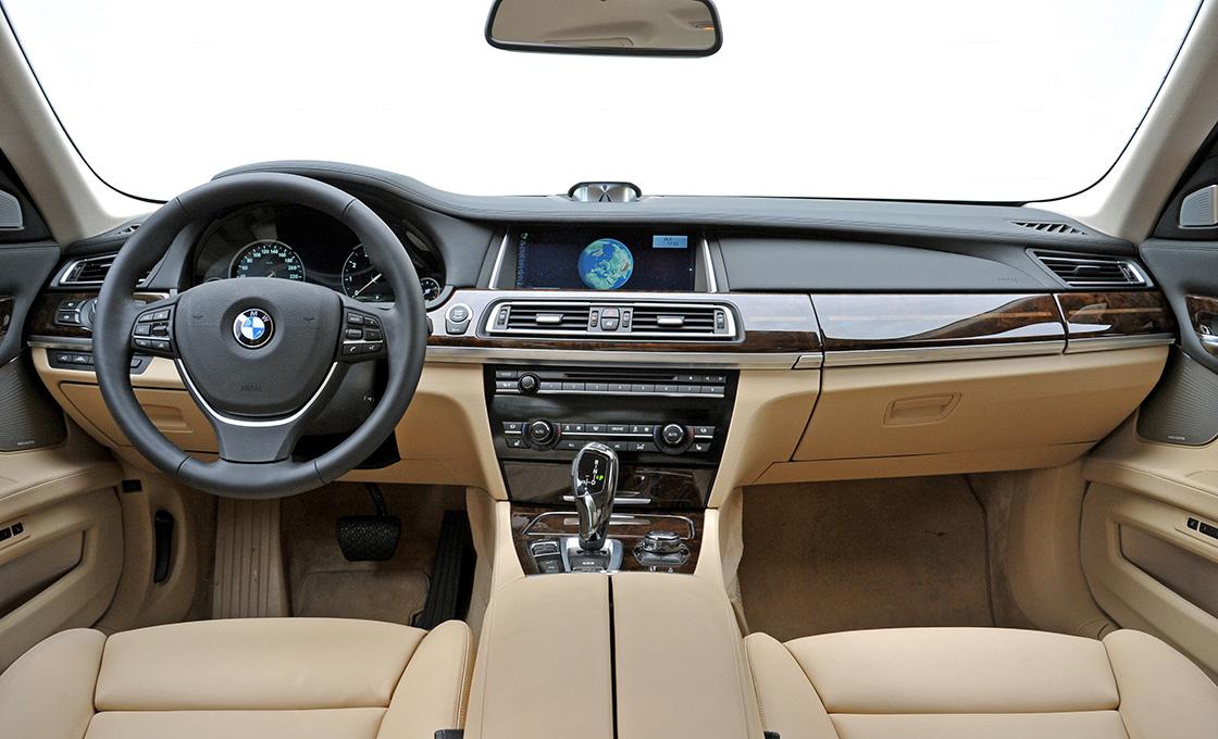 BMW7シリーズ (F01)インパネ