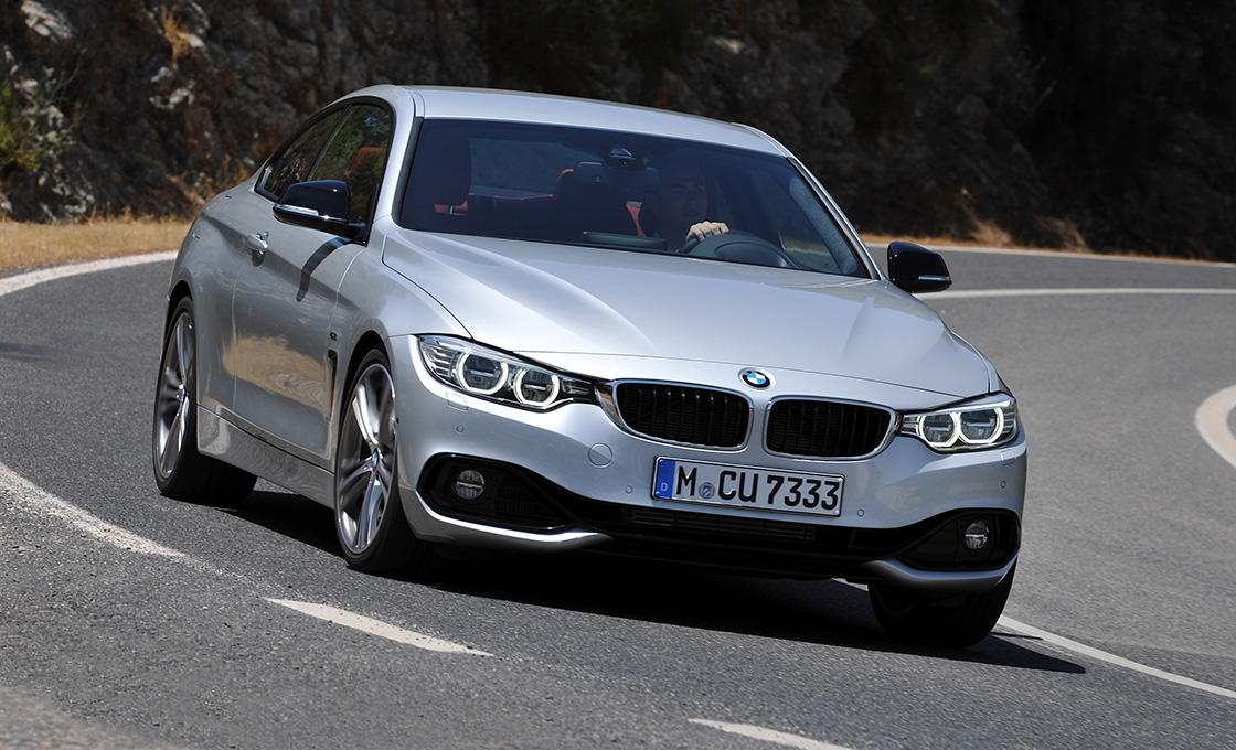 BMW新旧比較 4シリーズクーペ(F32)と3シリーズクーペ(E92)