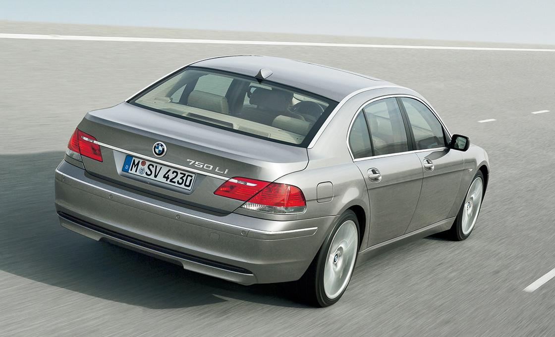 BMW-7シリーズ(E65E66)距離を重ねた車両でもエンジンはタフ