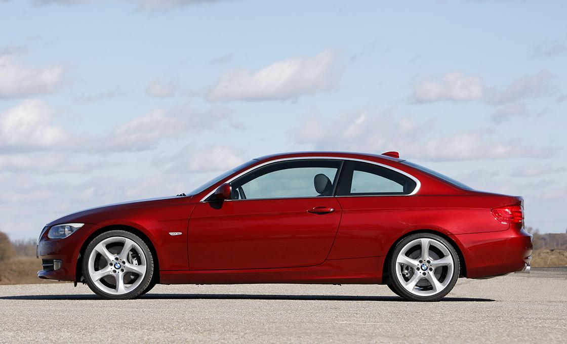 BMW-3シリーズクーペ(E92)真横