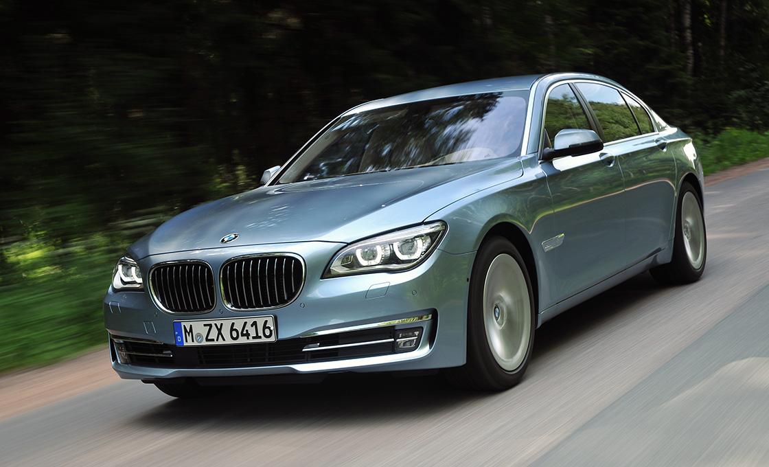 7シリーズの中古車は走行距離4万㎞を境に価格が変わる