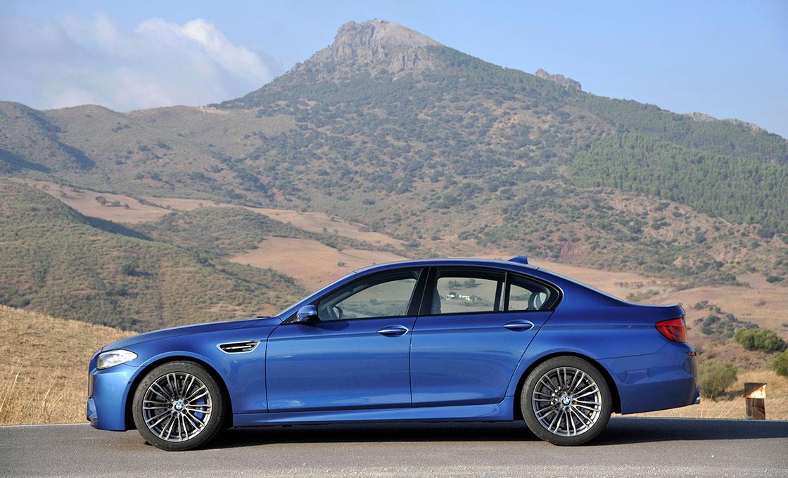 BMW-M5(F10)のボディサイズ&パッケージ