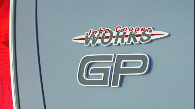世界限定2000台、ジョン・クーパー・ワークスGPキットが組まれたクーパーS