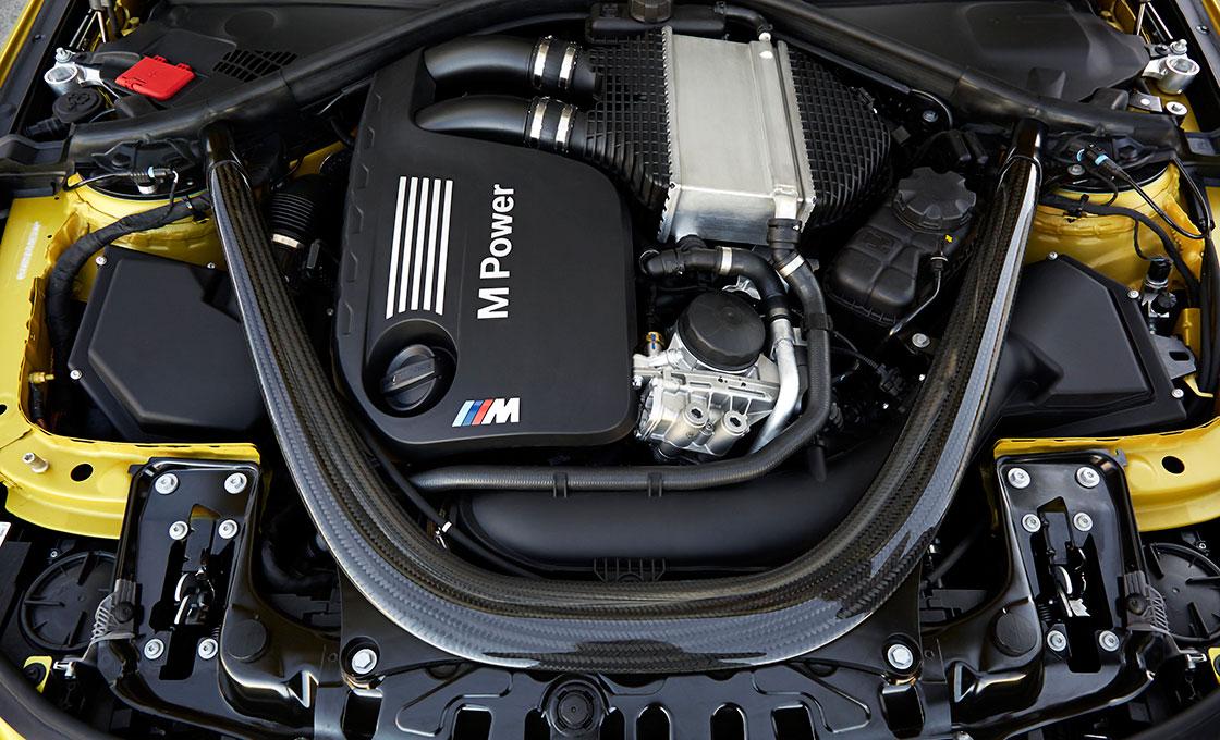 BMW-M4(F82)の-エンジン(出力、燃費性能)