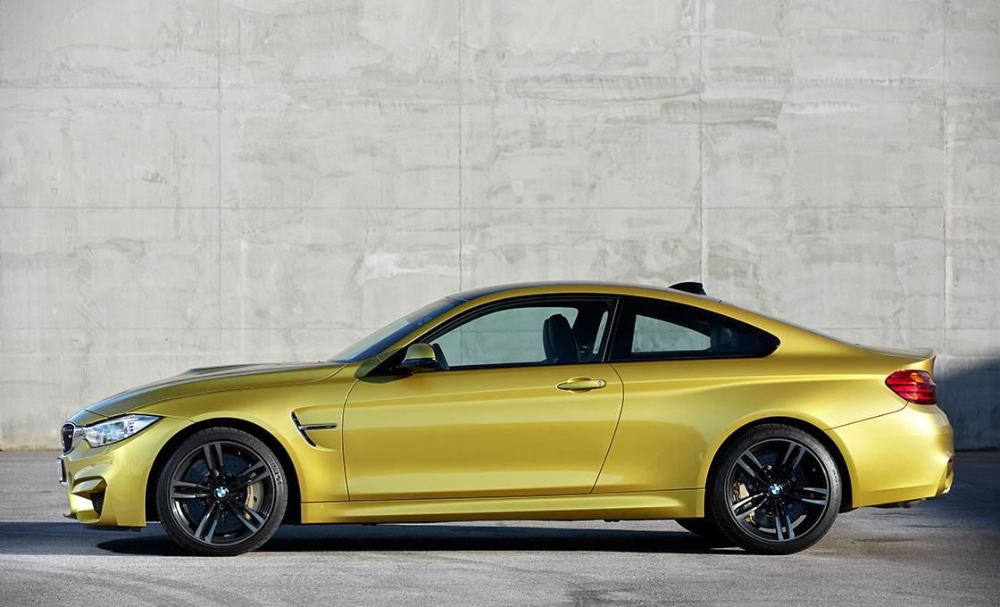 BMW-M4(F82)の-ボディサイズ&パッケージ