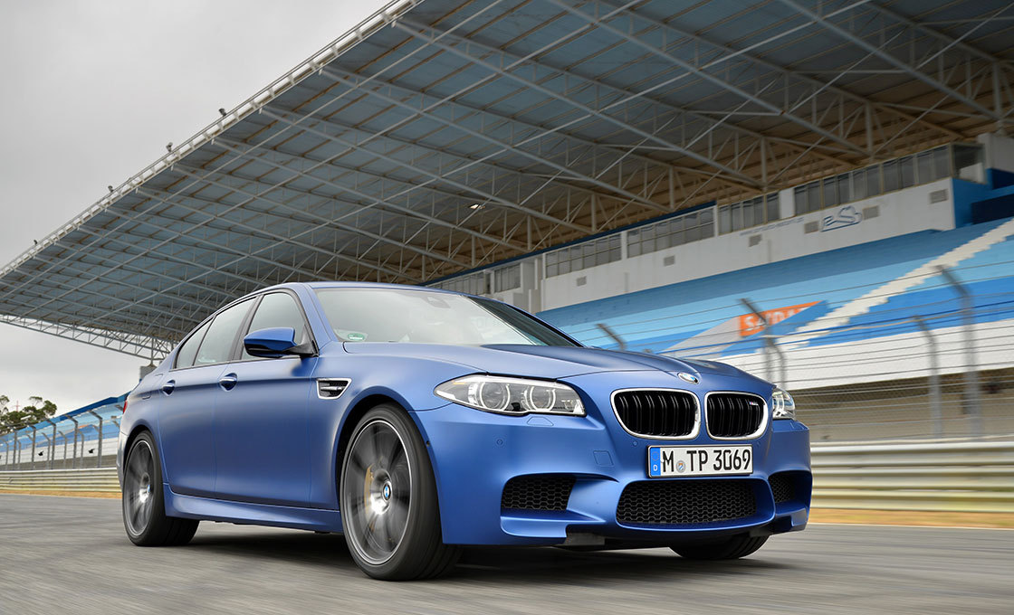 BMW-M5(F10)の装備(グレードによる装備差)
