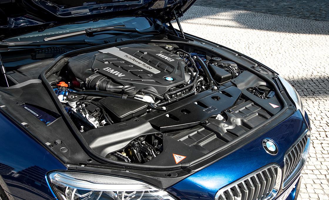 BMW-6シリーズとライバル車のエンジン比較