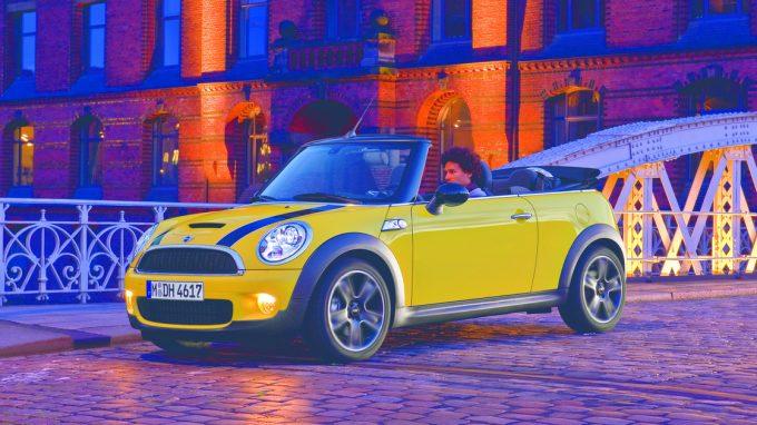200万円以下で購入可能なMINI コンバーチブル(R57)と輸入オープンカーを徹底比較