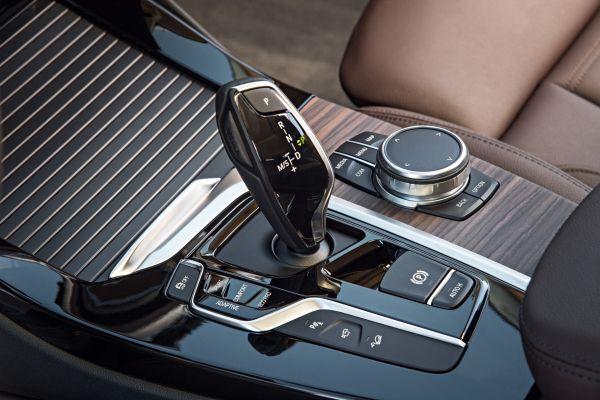 新型BMW X3_シフトノブ