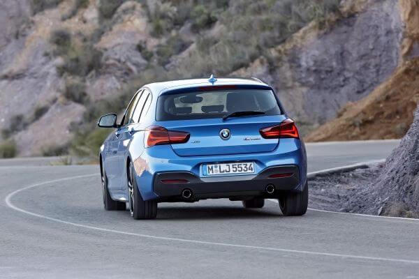 BMW1シリーズ_リアビュー
