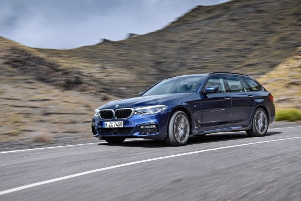 BMW_5シリーズツーリング_走行イメージ