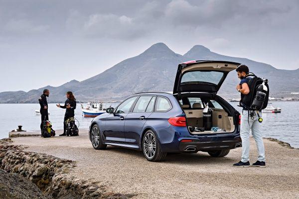 BMW_5シリーズツーリング_荷室イメージ